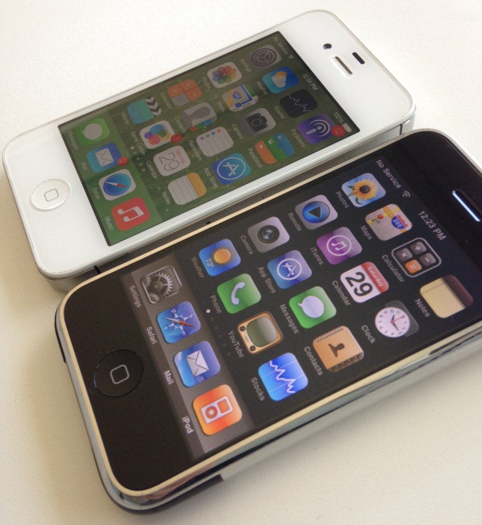 My original iPhone along with a younger sibling, an iPhone 4S running iOS 7.